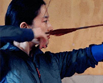 刘亦菲练习射箭照曝光